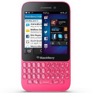 BlackBerry Q5 Warna Pink