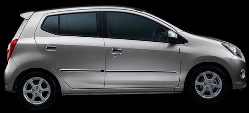 Gambar Mobil Daihatsu Ayla Warna Perak Metalik (Classic Silver Metallic)