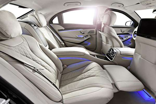 Gambar Interior Mobil New Mercedes-Benz S600 Guard