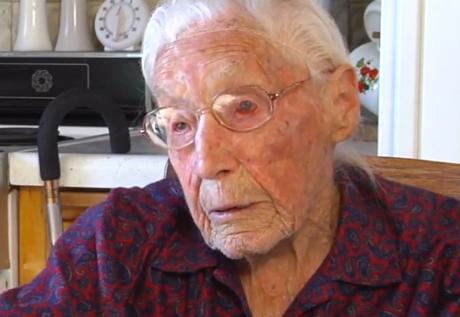 Anna Stoehr, Nenek Berusia 113 Tahun Yang Menjadi Anggota Facebook