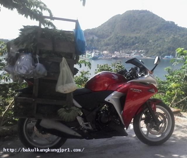 Gambar Honda CBR 250 Jual Sayur Di Jayapura