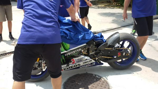 Motor Yamaha Lorenzo Rusak Parah