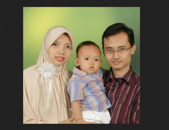 Foto Dion Cecep Supriadi Bersama Istri Dan Anak