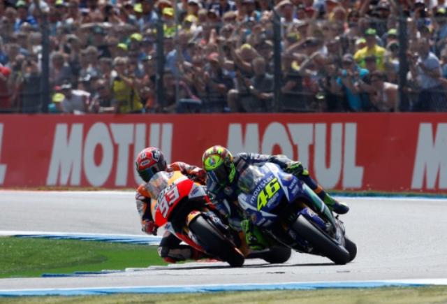 Pertarungan Rossi dan Marquez DI MotoGP Assen Belanda