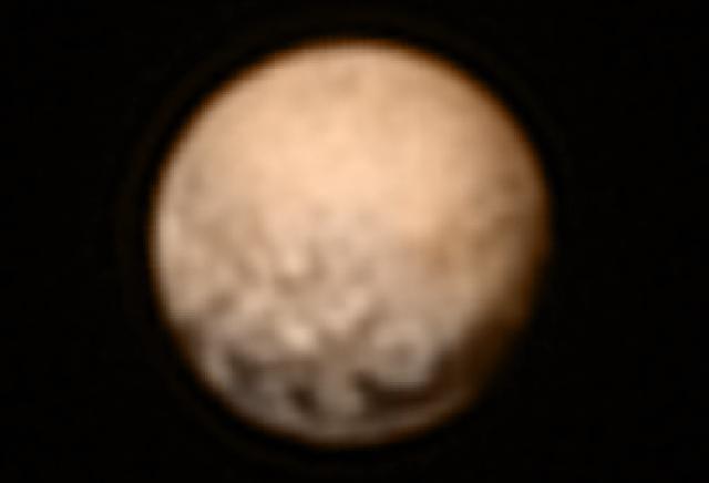Warna Planet Pluto Merah Berpasir