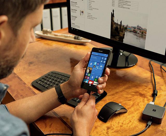 Fitur Windows Continuum Di Lumia 950