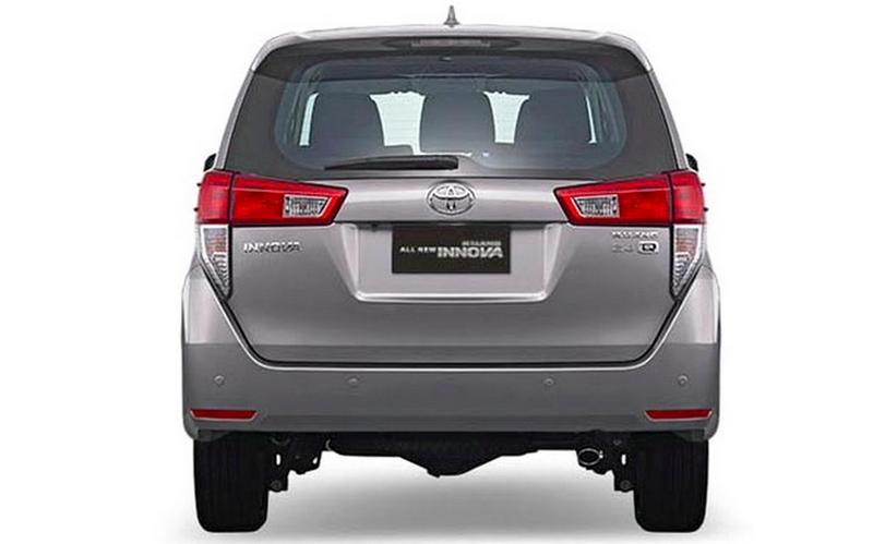 Gambar Toyota Kijang Innova 2016 Tampak Belakang
