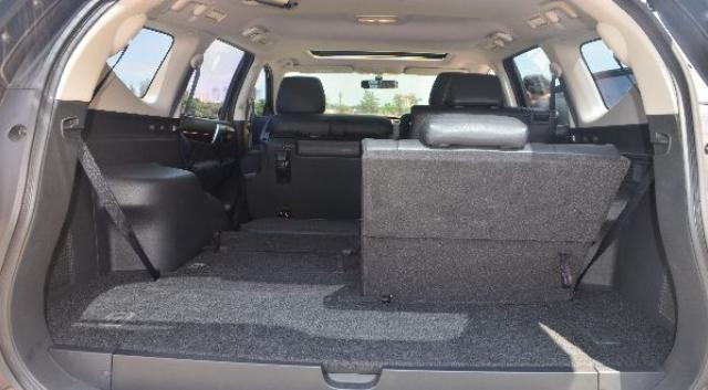 Gambar Interior Mitsubishi All New Pajero Sport Bagian Belakang dan Tengah