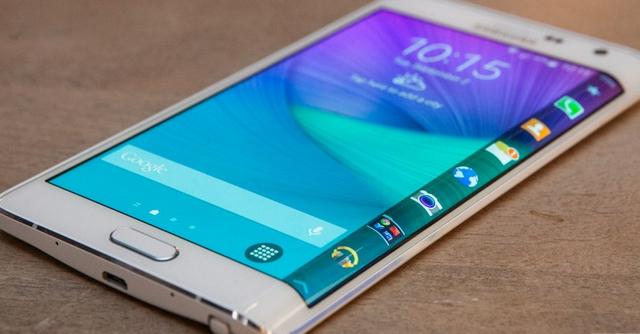 Samsung Galaxy Note 6 dengan layar lengkung.