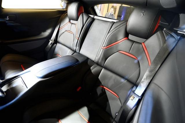 Gambar Interior Ferrari GTC4Lusso T