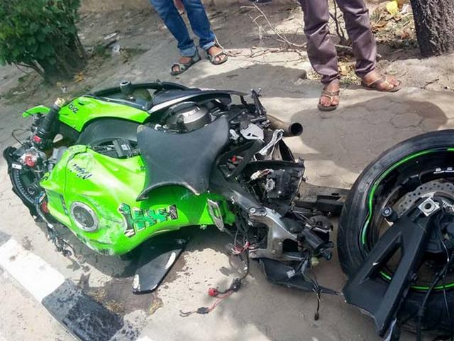 Gambar Kecelakaan Maut Motor Kawasaki Ninja ZX10R
