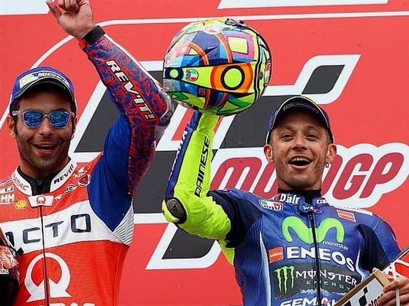 Petrucci Dituduh Bantu Kemenangan Rossi Di MotoGP Belanda