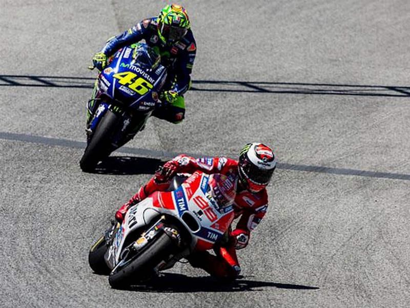 Rossi Akhirnya Minta Maaf Kepada Lorenzo