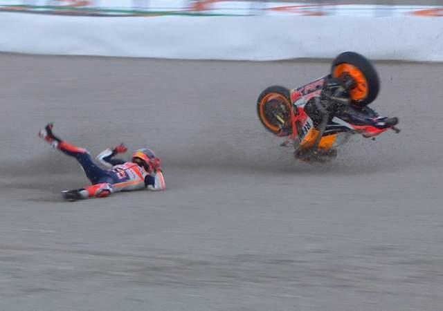Hasil Kualifikasi MotoGP Valencia - Vinales Pole, Marquez Crash