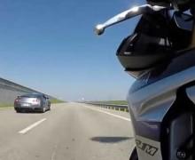 Video Drag Race Motor Yamaha R1M Kalahkan Mobil Nissan GT-R